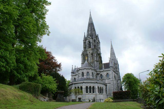 说明: http://cork.anglican.org/wp-content/uploads/2013/06/0001_St-Fin-Barres-East1.jpg